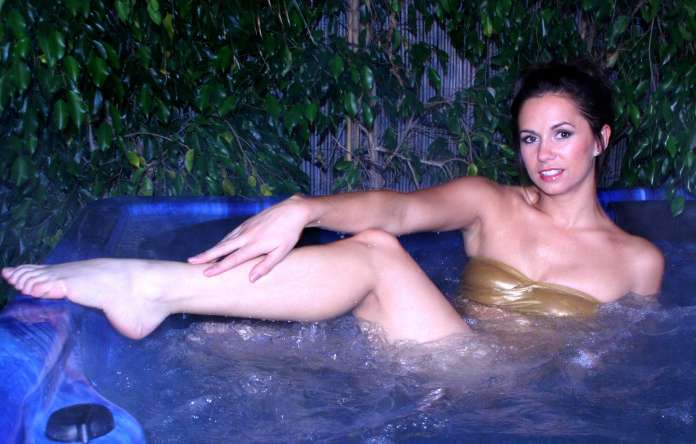 Charlee Lynn relaxes in the hot-tub